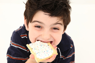 Boy eating poptart resized 600