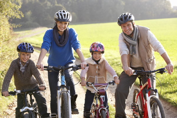 active family, exercise, healthy living
