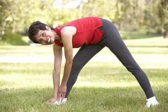 elderly woman stretching resized 600