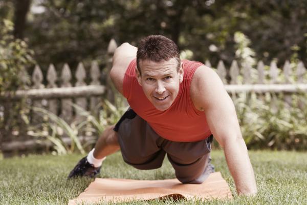 one arm push up, advanced exercise