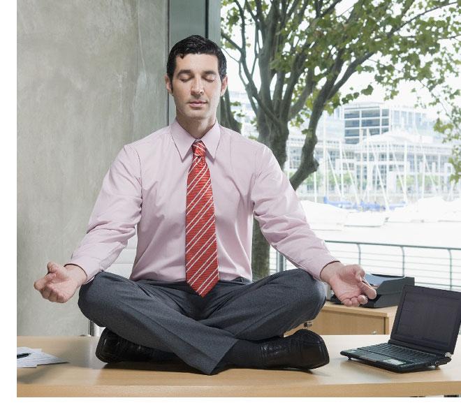 Tập thói quen hít thở yoga, thiền để kiểm soát tốt stress