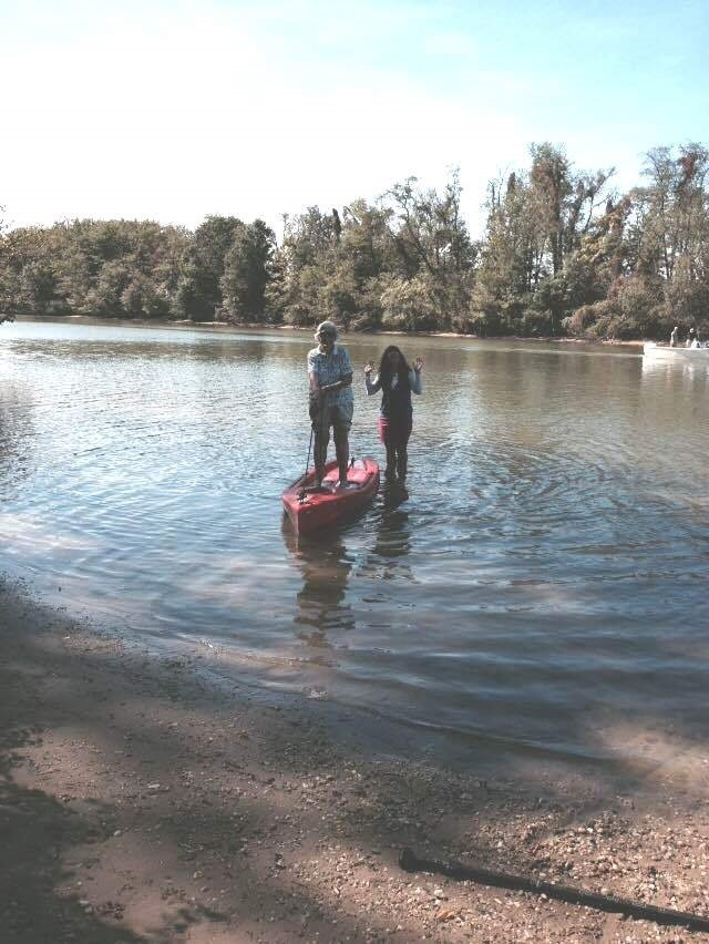 NIFS | Residents learn how to paddleboard