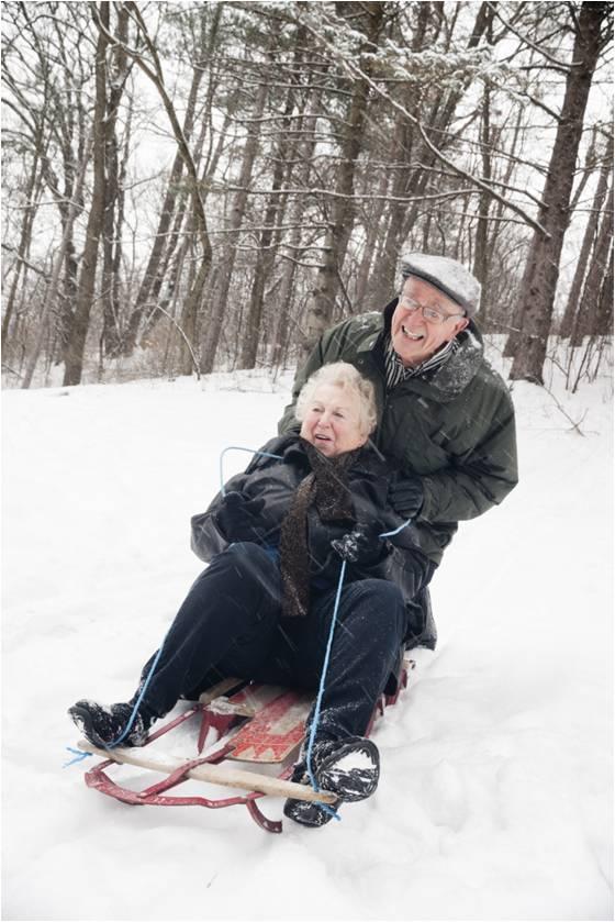 seniors_sledding
