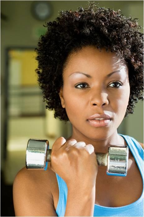 woman lifting weight resized 600
