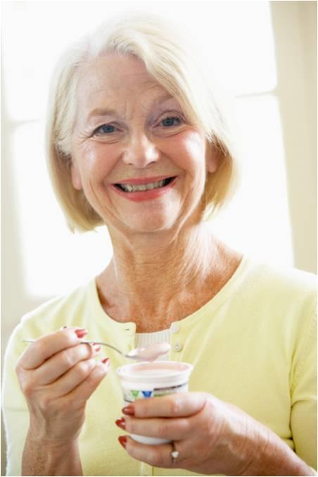 senior eating yogurt resized 600
