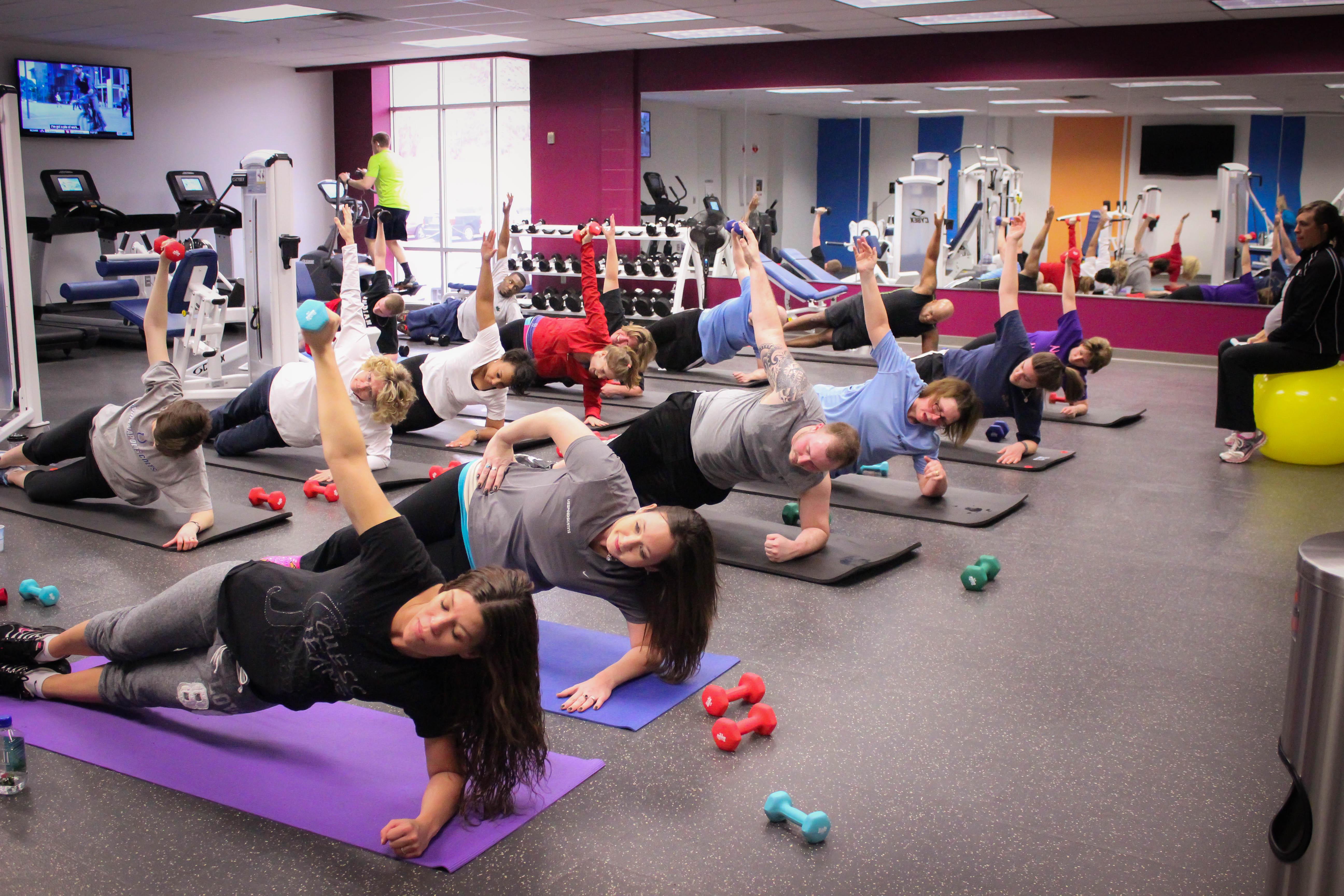 NIFS corporate group fitness classes.jpg