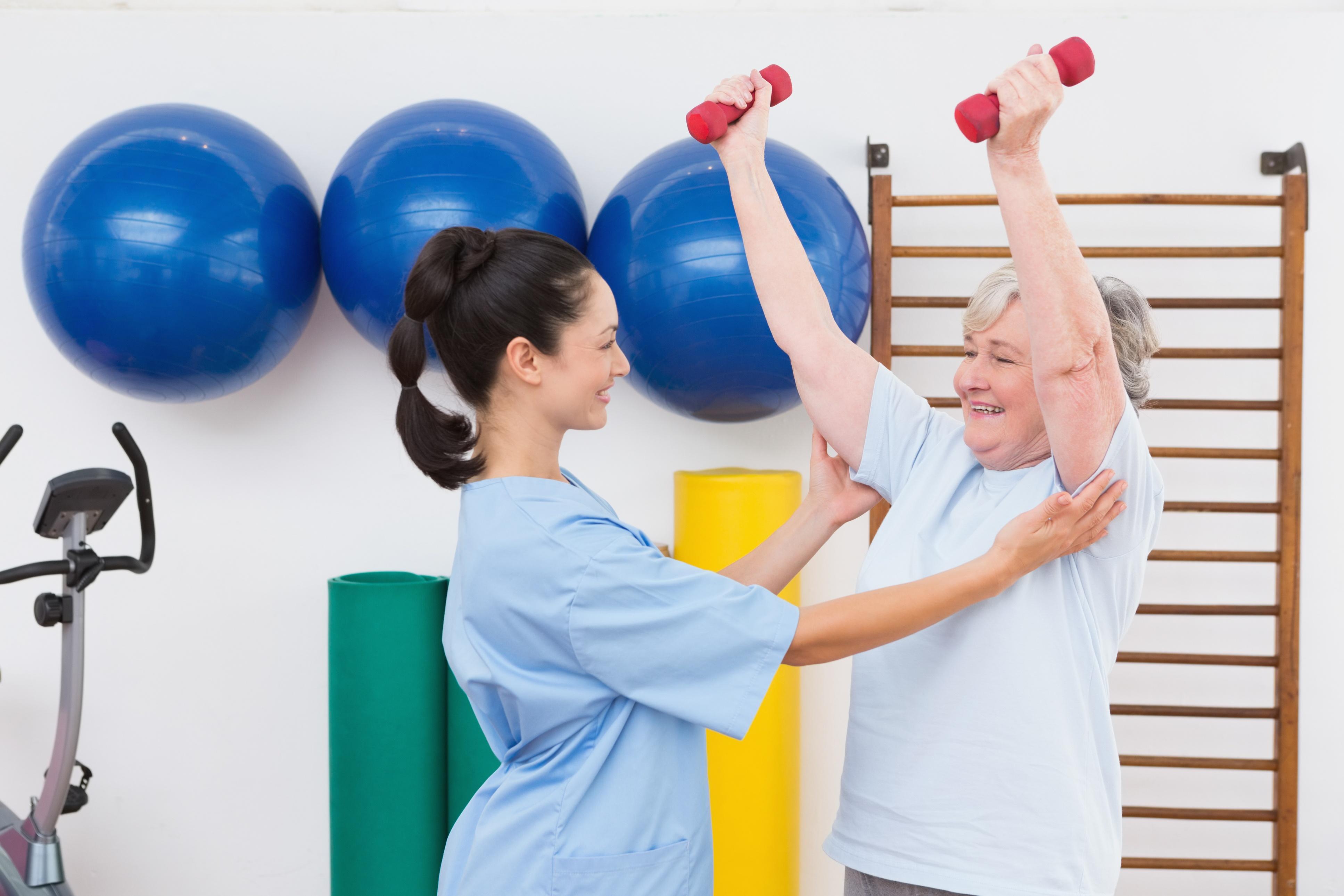 Nurse_doing_fitnessThinkstockPhotos-474647990