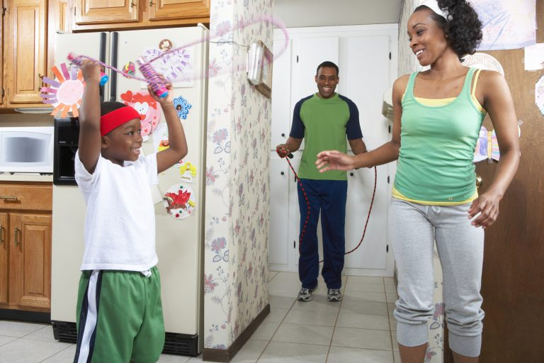ThinkstockPhotos-200554312-003-768x512family jump rope-5.jpg