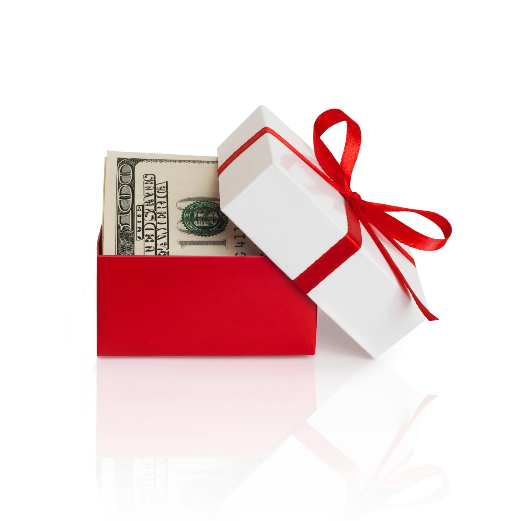 money_gift_ThinkstockPhotos-179330649.jpg